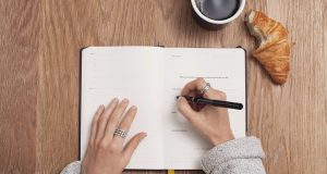 10 Life-Changing Benefits You Can Enjoy By Keeping a Journal
