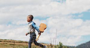 Three Principles to Raise Free and Happy Kids